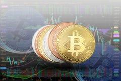 Schlüsselwährung bitcoin prägt auf Banknoten und Anteildiagramm backg lizenzfreies stockbild