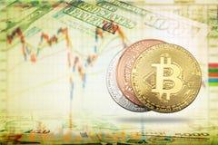 Schlüsselwährung bitcoin prägt auf Banknoten und Anteildiagramm backg lizenzfreie stockbilder