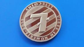 Schlüsselwährung litecoin auf blauem Hintergrund stock video