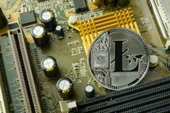 Schlüsselwährungs-, litecoin- und Computergebührenfinanzierung Stockfotografie