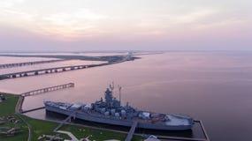 Schlachtschiff USSs Alabama bei Sonnenaufgang lizenzfreies stockbild