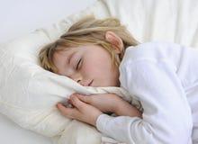 Schlaf des kleinen Mädchens Stockbilder
