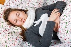 Schlafen der jungen Frau Lizenzfreie Stockfotografie