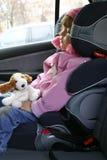 Schlafen in einem Auto Stockfotos