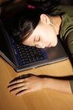 Schlafend bei der Arbeit lizenzfreies stockbild