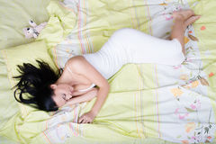 Schlafende Frau, Ansicht von oben stockfoto