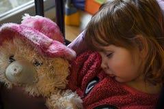 Schlafendes Baby mit dem blonden Haar Stockfotografie