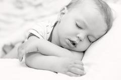Schlafendes Kleinkindbaby stockbilder