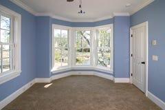 Schlafzimmer mit Ansicht Lizenzfreies Stockfoto