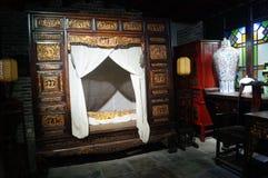 Altes Schlafzimmer redaktionelles foto. Bild von historisch - 25205251