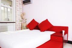 Schlafzimmerbett Stockbilder