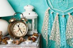 Schlafzimmerdekor auf Aquamarin lizenzfreies stockbild