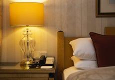 Schlafzimmerinnenraum in der klassischen Art Stockbilder