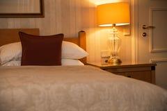 Schlafzimmerinnenraum in der klassischen Art Lizenzfreies Stockfoto