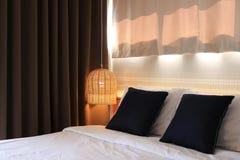 Schlafzimmerinnenraum des modernen Designs Stockfotografie