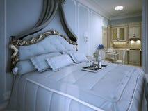 Schlafzimmerstudiowohnung im Blau Lizenzfreies Stockbild