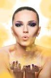 Schlagschimmer der Schönheit und goldene Sterne lizenzfreies stockfoto
