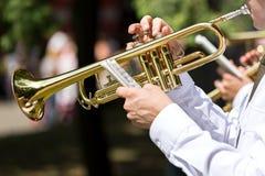 Schlagtrompete des Musikers Lizenzfreies Stockbild