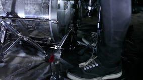 Schlagzeuger in der Wiederholung stock video