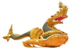 Schlangenkönig oder König der Nagastatue im thailändischen Tempel lizenzfreies stockbild