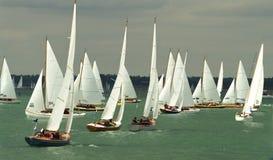 Schlauchboot, das an cowes Woche 2010 8 läuft Stockbilder