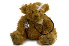 Schlecht Teddybär mit Stethoskop Lizenzfreie Stockfotografie