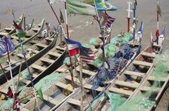 Schlechte afrikanische Fischerboote Lizenzfreie Stockfotos