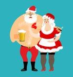 Schlechte Sankt und Frau Klaus lokalisierte betrunkene Weihnachtsfamilie Frau Stockfotografie