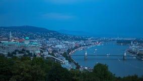 Schlechtes Wetter, das panoramische Zeitspanne glättet Budapest, Ungarn stock footage
