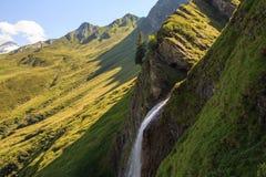 Schleierfall kaskad i Tux Tyrol arkivfoto