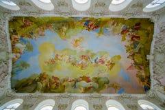 Schleissheim,德国- 2015年7月30日:壁画绘了在宫殿显露的惊人的艺术性的细节里面的天花板和 免版税库存照片