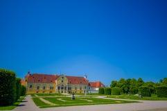 Schleissheim,德国- 2015年7月30日:Lustheim宫殿大厦,位于Schleissheim的另一边从事园艺,美好的sunn 库存图片