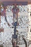 Schleppen Sie Hakenbahnmetallverschluß auf einem Güterzug in einem italienischen trai Lizenzfreie Stockbilder
