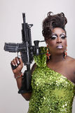 Schleppen Sie Königin mit Gewehr Lizenzfreie Stockfotos