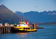 Schlepper-Boot im Ruhezustand lizenzfreie stockfotos
