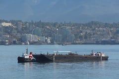 Schlepper-Boot und Kraftstoff-Lastkahn, Vancouver lizenzfreie stockfotos