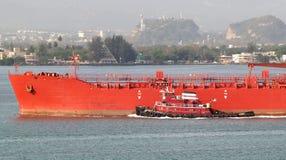 Schlepper und Tanker Stockbild
