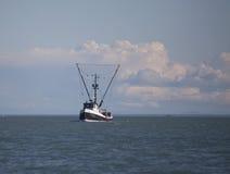Schleppnetzfischer der kommerziellen Fischerei in Südost-Alaska lizenzfreies stockfoto