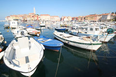 Schließen Sie in adriatischem Meer 4 an den Port an Stockfotos