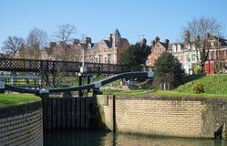 Schließen Sie auf den Fluss-Nocken, Cambridge, England zu Stockfotos