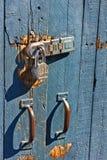 Schließen Sie auf hölzernes Tor zu Stockfoto