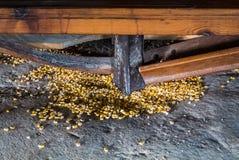 Schließen Sie bis zu den Details der alten Maiswindmühle in Consuegra Stockbild