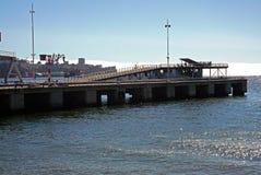 Schließen Sie bis zum chilenischen Strand und zum Hafen Stockbild
