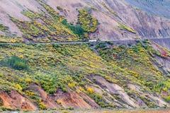 Schließen Sie Bus in Nationalpark Denali in Alaska Fensterläden Lizenzfreie Stockfotos