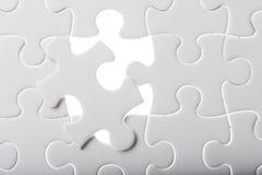 Schließen Sie fehlendes Puzzlen ab lizenzfreie stockfotos