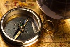 Schließen Sie herauf Ansicht des Kompassses Lizenzfreie Stockfotografie
