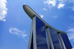 Schließen Sie herauf Ansicht von Marina Bay Sands Hotel Resort Stockbilder
