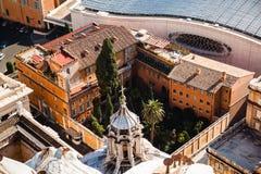 Schließen Sie herauf Ansicht von St- Peter` s Basilika, Vatikanstadt Stockfotografie