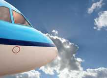 Schließen Sie herauf blaues Flugzeug Stockbild
