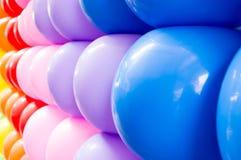 Schließen Sie herauf bunte Ballone Stockbilder